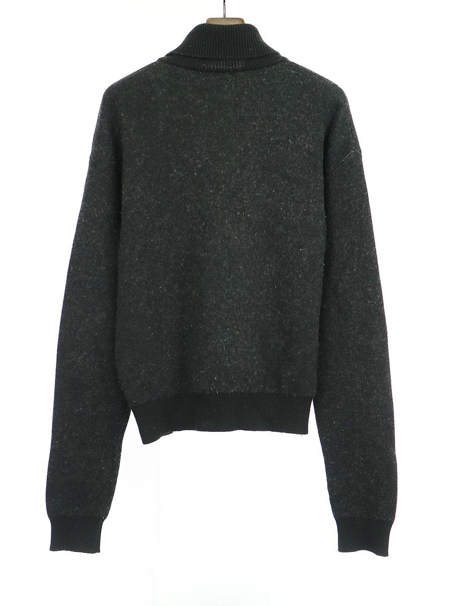 カフスロゴタートルネックニットセーター