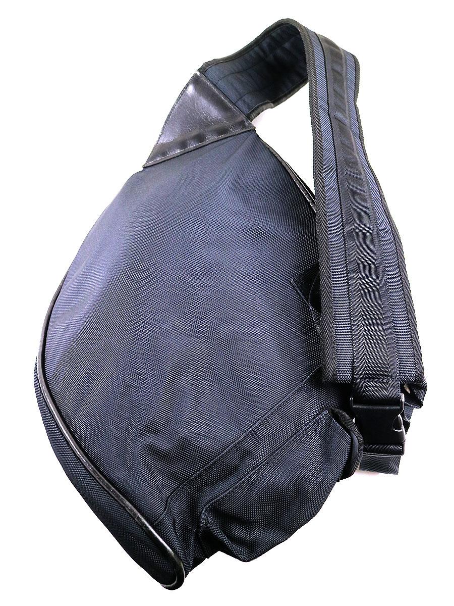 ナイロンキャンバスショルダーバッグ