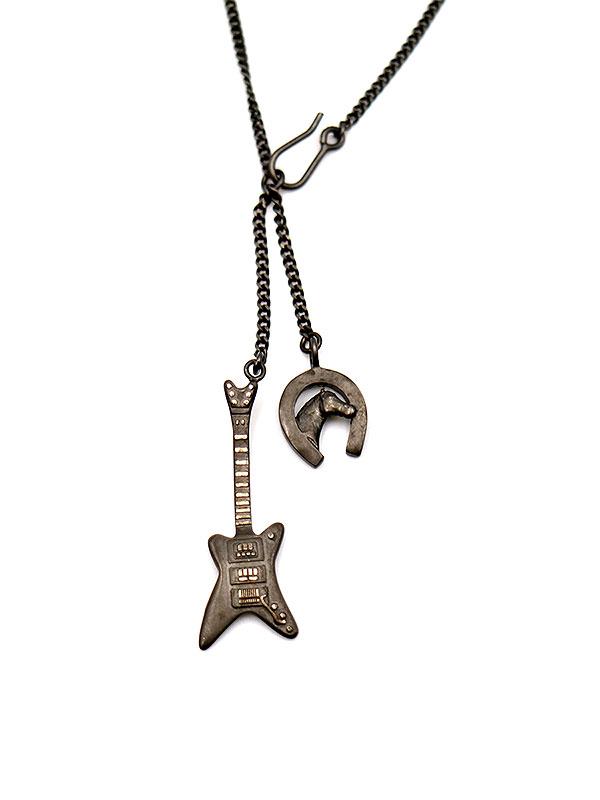 ギターモチーフネックレス
