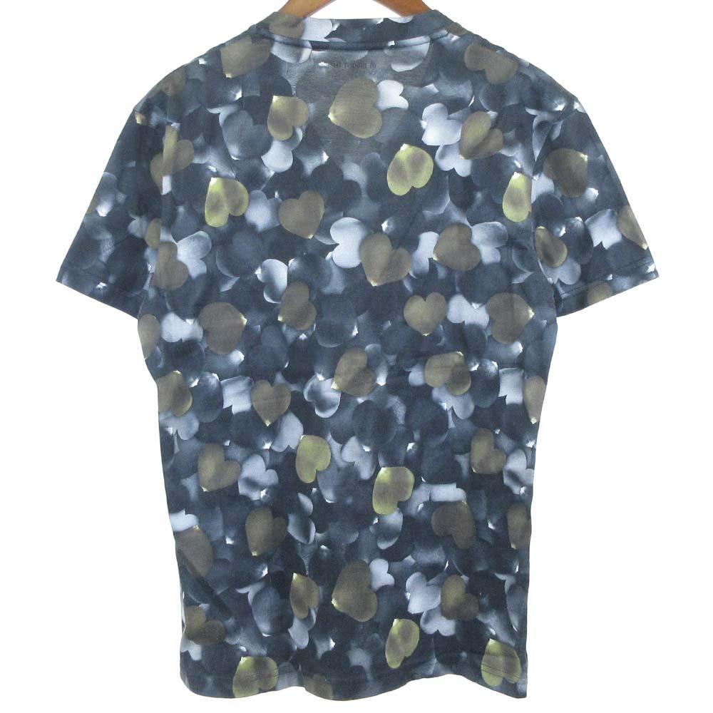 ハート総柄Vネック半袖Tシャツ
