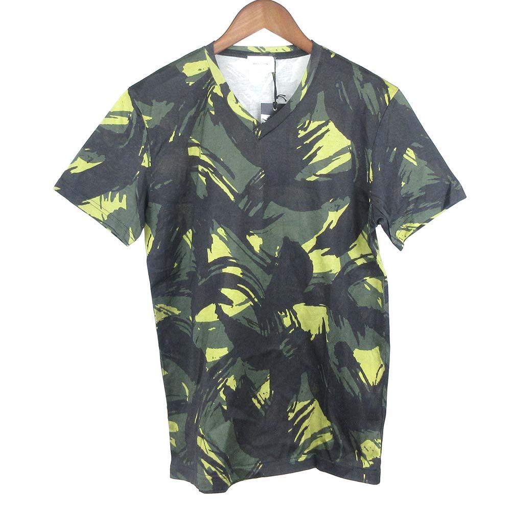 リーフ総柄Vネック半袖Tシャツ