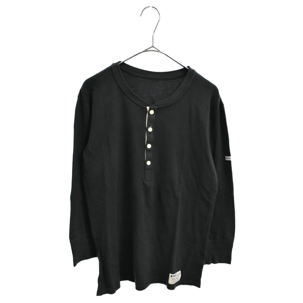 アームロゴワッペン付きバックプリントヘンリーネックロングスリーブTシャツ