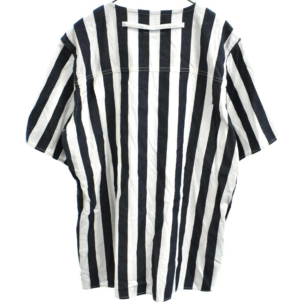 胸ポケット付きストライプVネック半袖Tシャツ