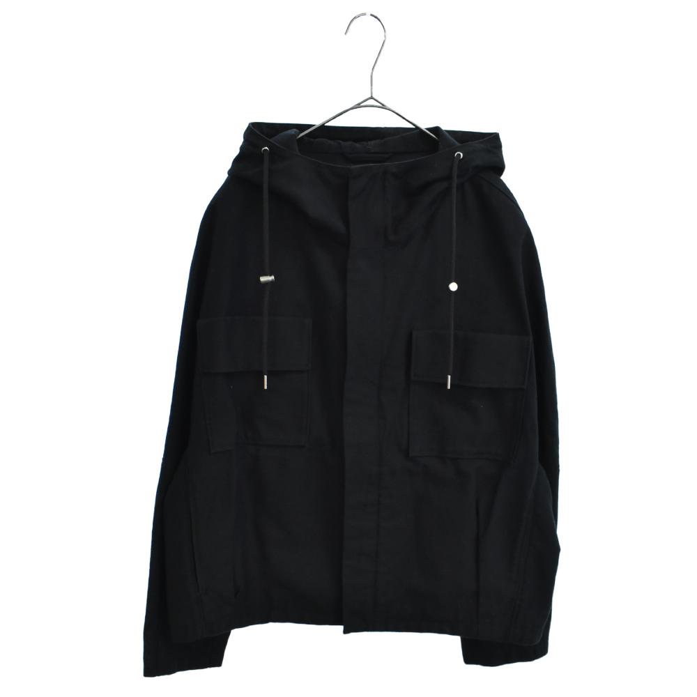 ロゴパッチショートフーデッドジャケット