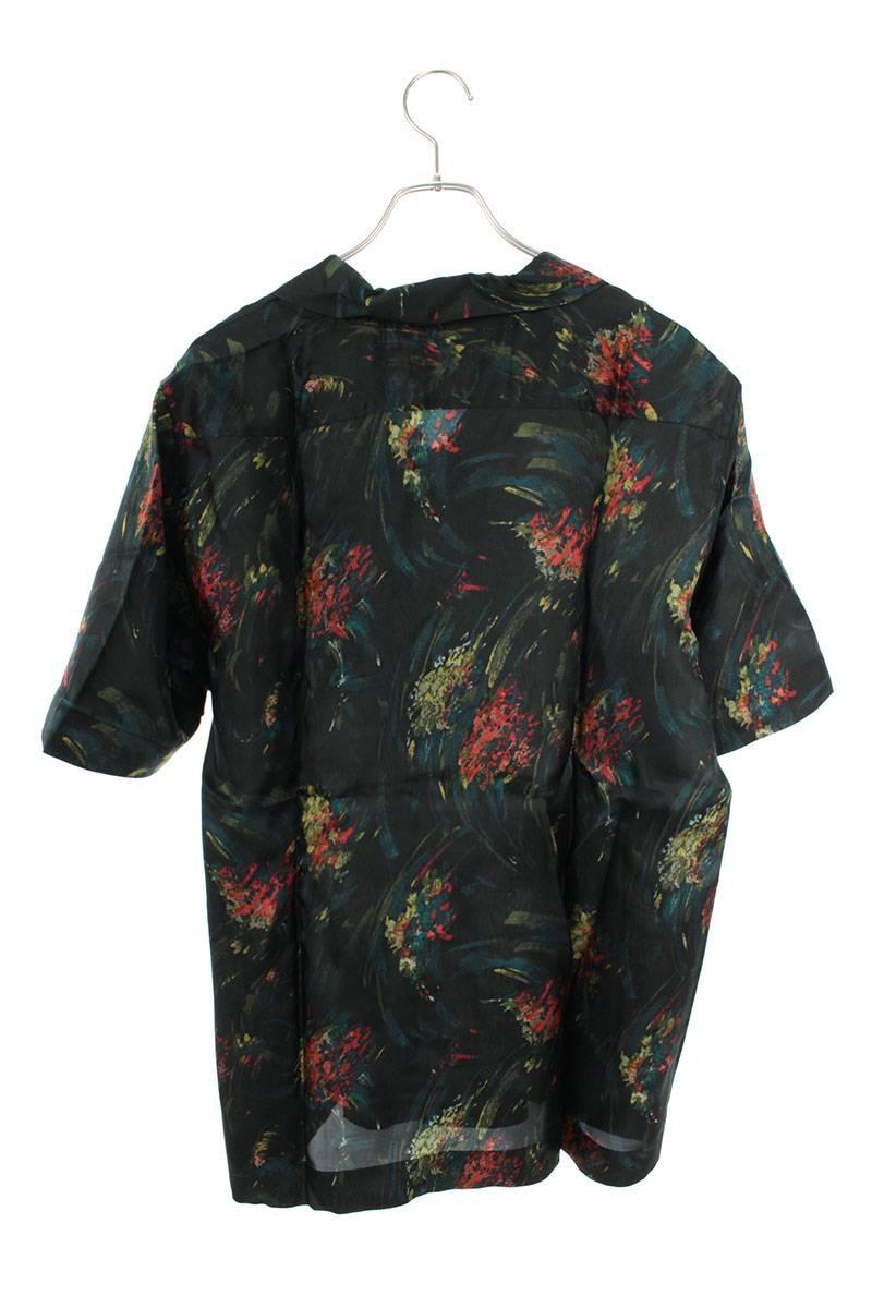 フラワー柄半袖シャツ