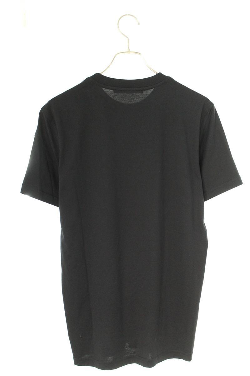 胸ロゴTシャツ