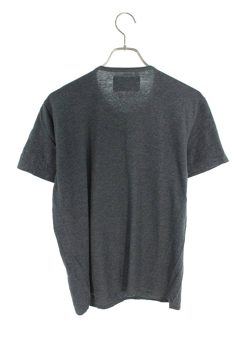 スタッズ装飾Tシャツ