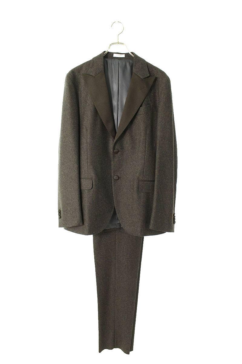 タキシードスーツ