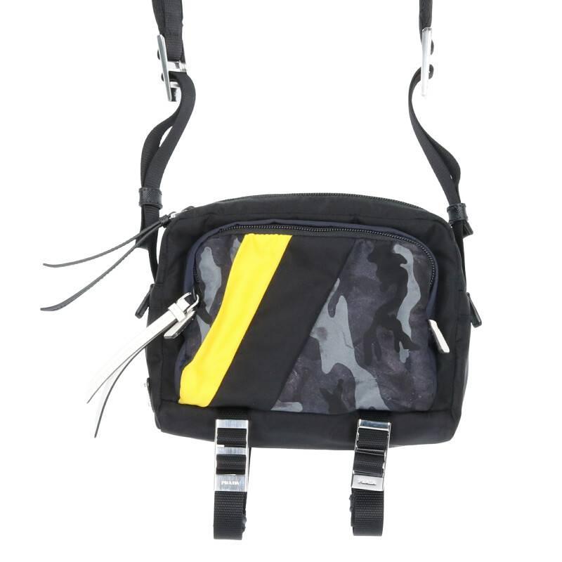 プレートデザインナイロンショルダーバッグ
