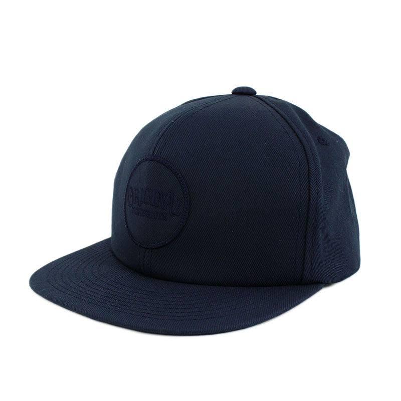 ワッペン付き帽子