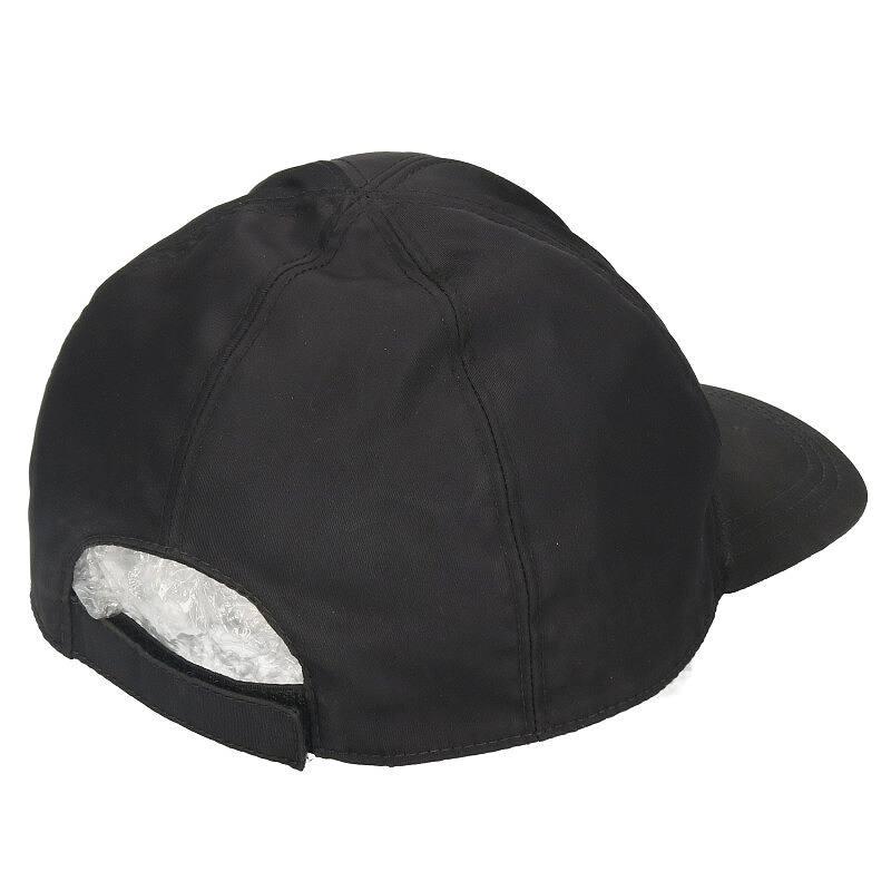 ロゴプレートナイロン帽子