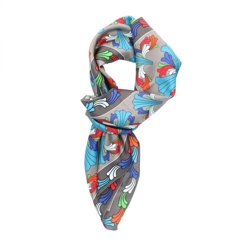 セントバーツ限定ST BARTHプリントシルクスカーフ